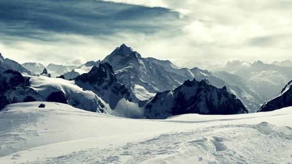 winterpeaks-min.jpg